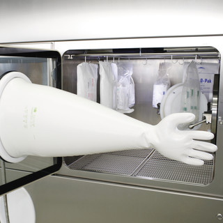 Integrated glove testing system, detail 3